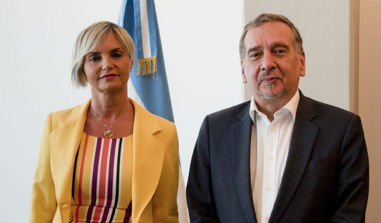 Claudia Perandones con Lino Barañao